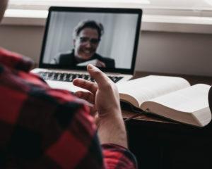 Réussir un entretien d'embauche en visio (mes 15 conseils pratiques)